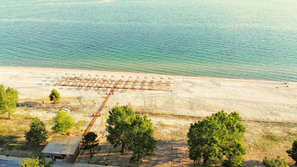 παραλία Οφρυνίου