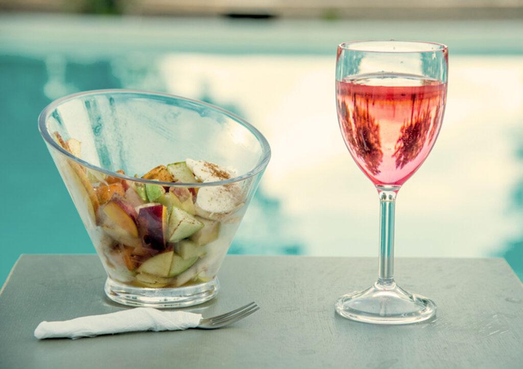 κρασί και φρούτα